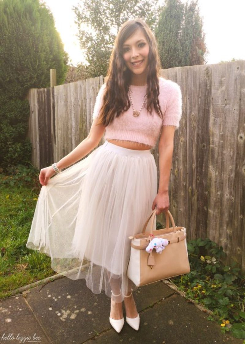 Spring tulle skirt outfit by hellolizziebee
