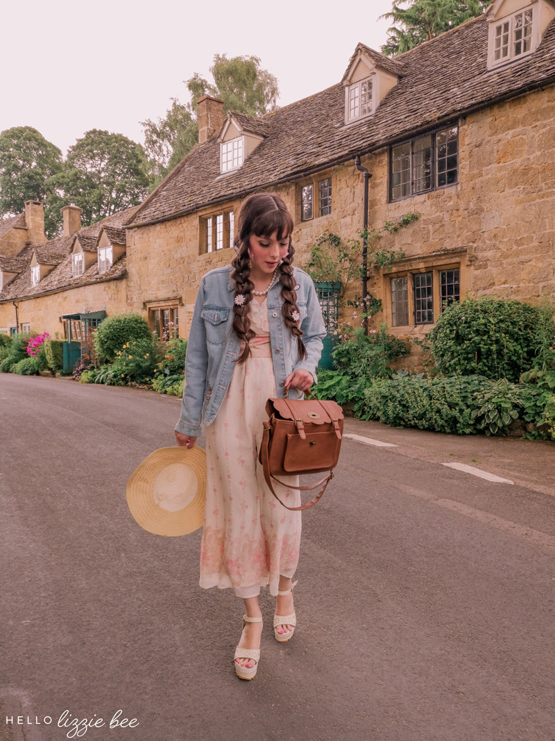 Strolling through the Cotswolds via hellolizziebee