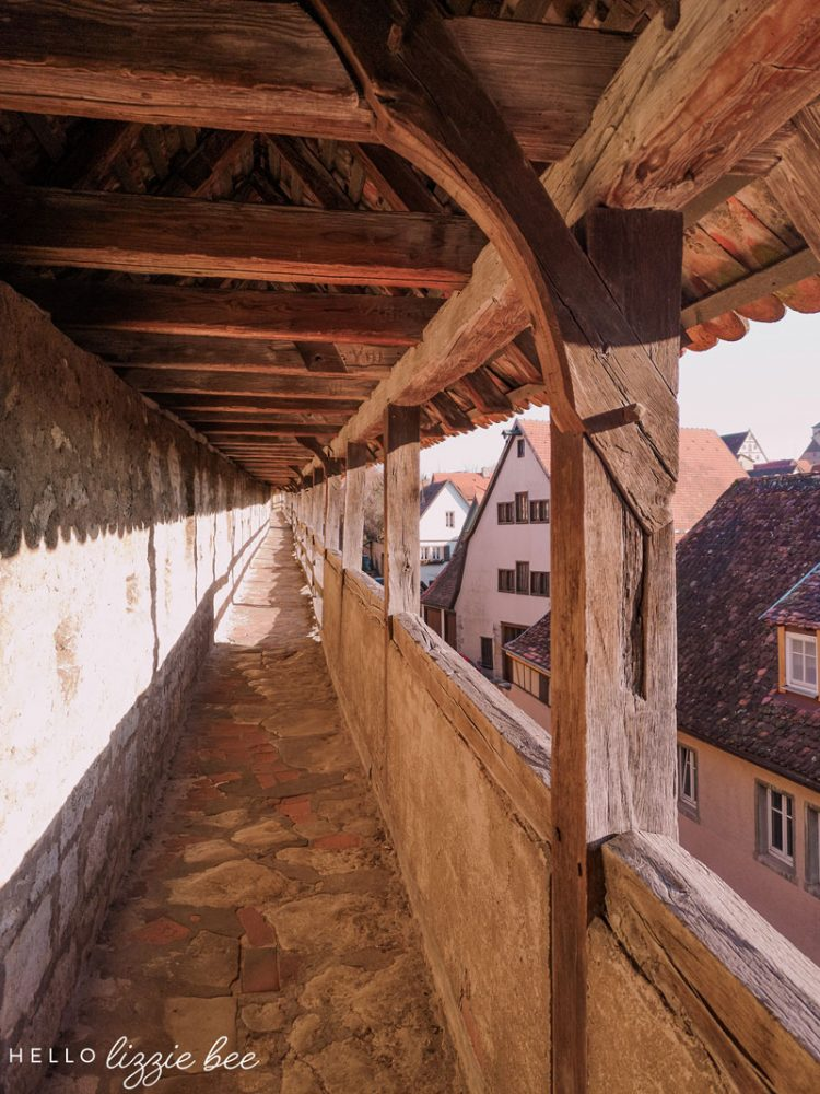 Walk along the old walls of Rothenburg