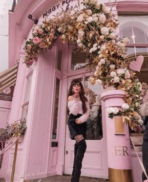 Delightfully Pink: Peggy Porschen Cakes in Belgravia, London
