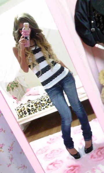 Ane Gyaru with Plain Dark Jeans