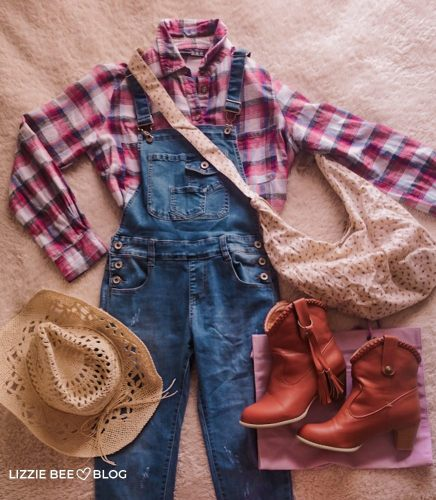 Casual gyaru outfit with overalls