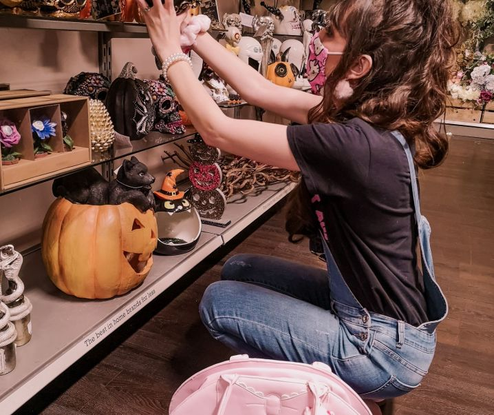 Lunch date + Halloween shopping with Amy!