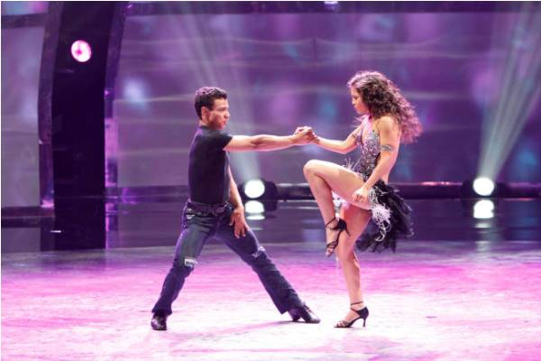 Dareian and Janelle dance on SYTYCD season 9 Top 16