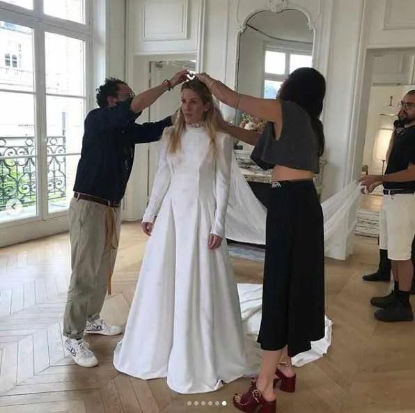 Ellie-Goulding-wedding-dress-fitting