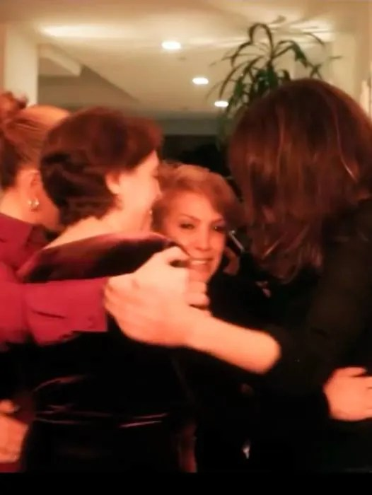 jennifer-lopez-sisters-and-mom-party