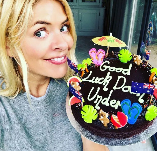 Holly-Willoughby-cake-im-a-celeb