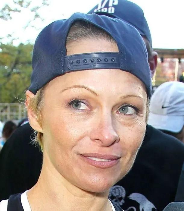 Pamela Anderson Debuts New Pixie Crop