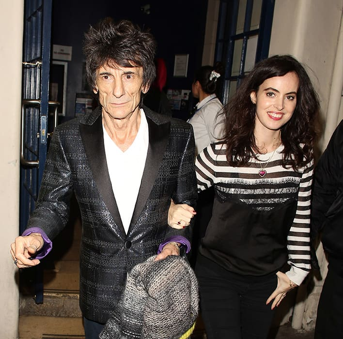 Ronnie Wood S Wife Sally Humphreys Covers Up Baby Bump