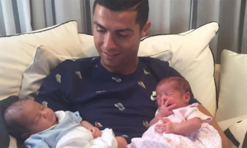 Cristiano Ronaldo Introduces His Twins In Sweet Instagram Snap HELLO