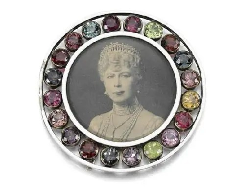 bring on the bling jewels from a scandalous royal marriage go on sale photo 6