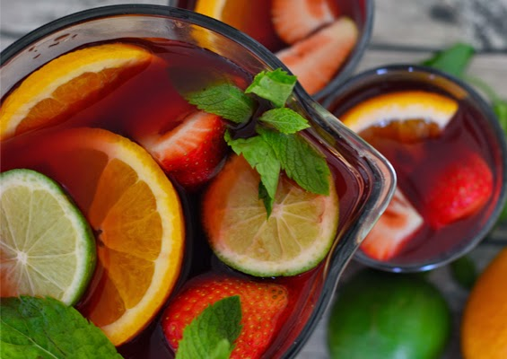 Tipsy Tuesday: Selfmade Summer Sangria