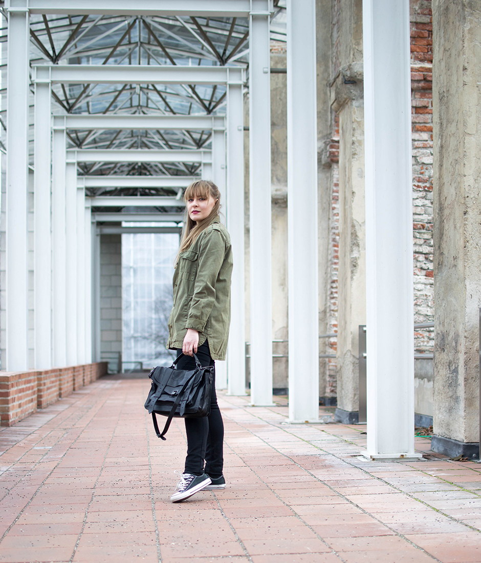 Proenza Schoular Military Jacke Outftit Style Sandbox Fashion Blog Mode Blog Wien Chucks sporty laid back streetstyle Wien Vienna München Munich Travel Lifestyle 4