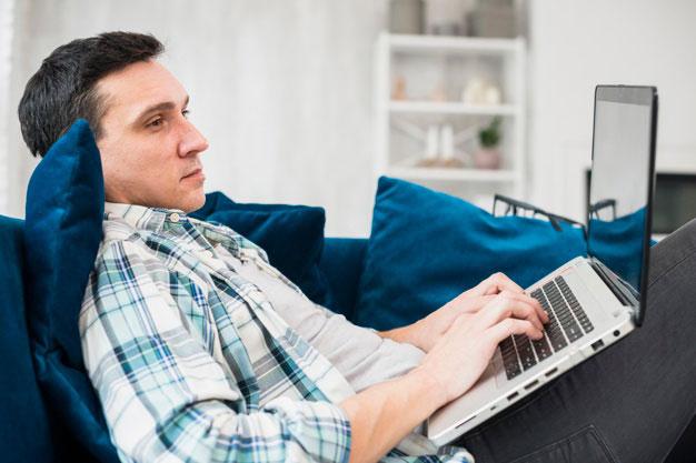 Tips Mengatasi Rasa Bosan Ketika Bekerja di Rumah