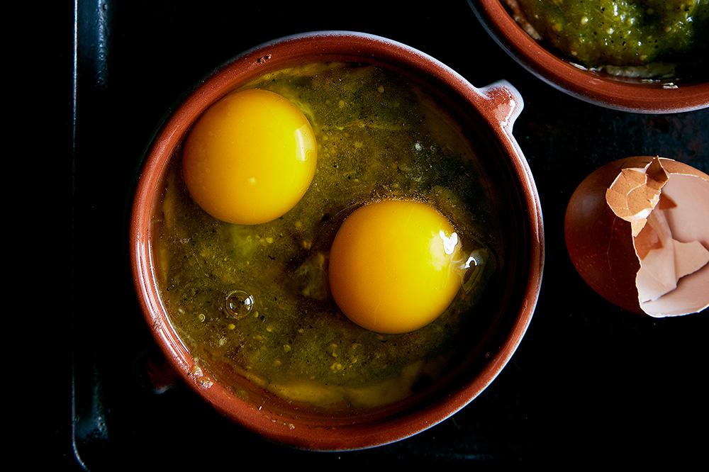 Tomatillo Salsa Baked Eggs w/ Mexican Chorizo | Hello My Dumpling