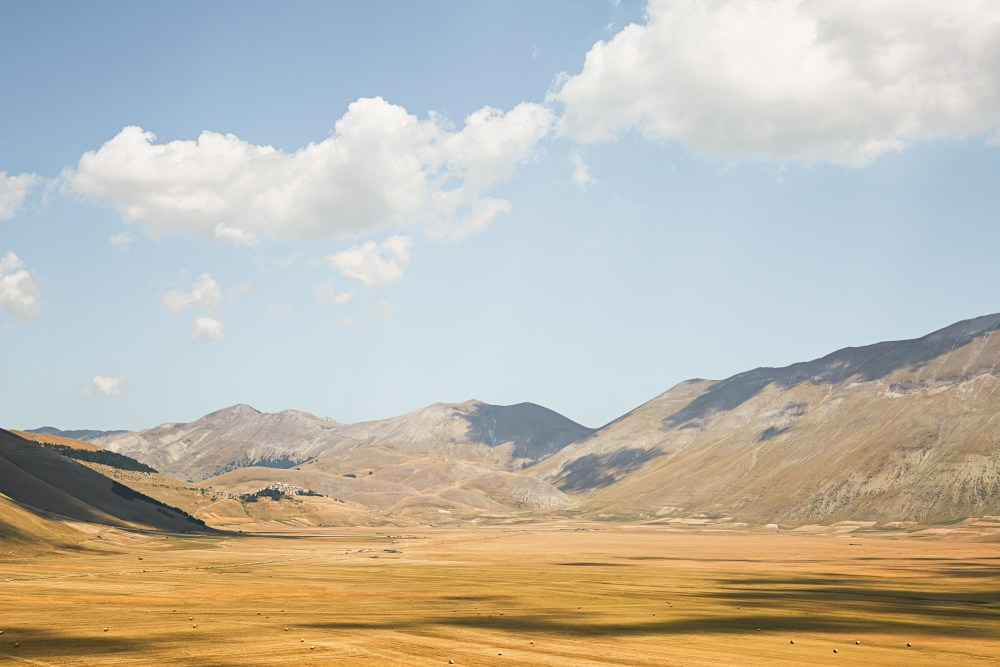 Lentil Farmers of Castelluccio, Italy | Jenny Huang Photographer