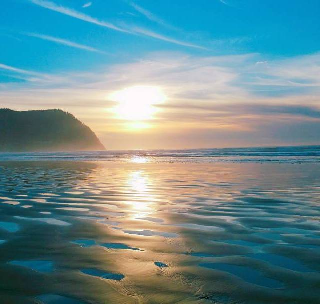 Waiting for the sunset!   weekendgetaway seasideoregon seaside peacefulplacehellip
