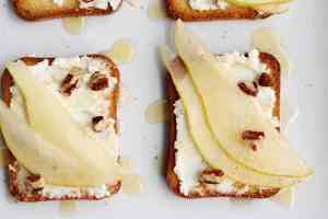 pear-goat-cheese-honey-crostini.jpg
