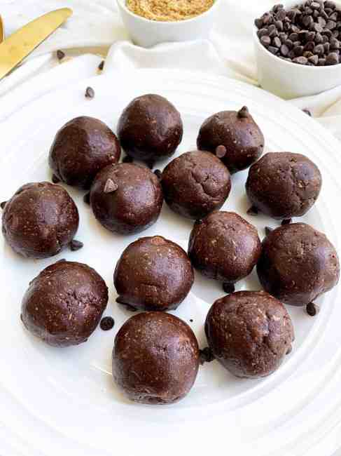 No-Bake Brownie Bites with Peanut Butter