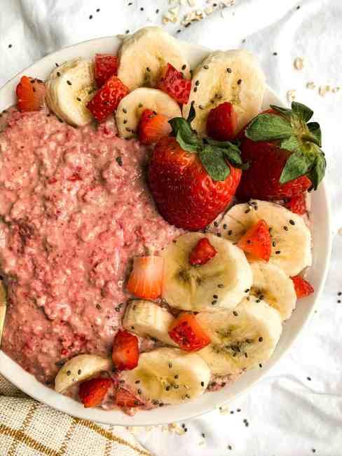 Strawberry Banana Overnight Oats | No Added Sugar