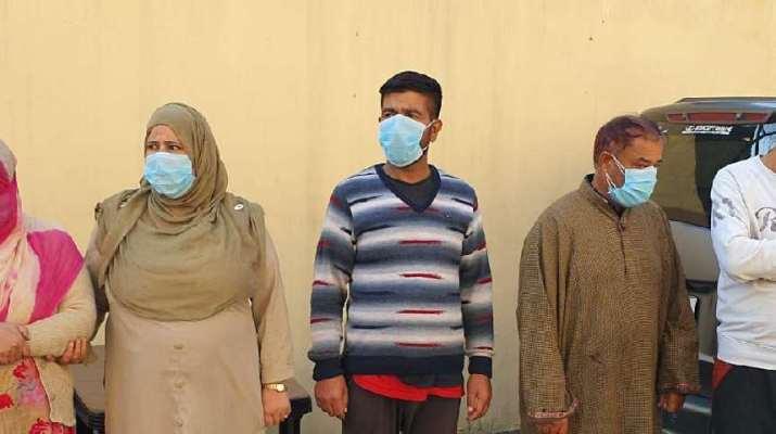 Jammu & Kashmir: Srinagar police busts gang of women burglars, Rs 90,000 recovered 1