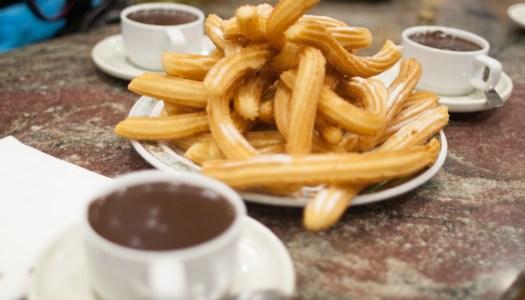Dónde comer los mejores churros y buñuelos con chocolate estas fallas