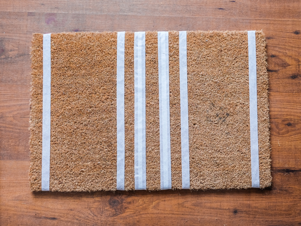DIY striped doormat | Hello Victoria
