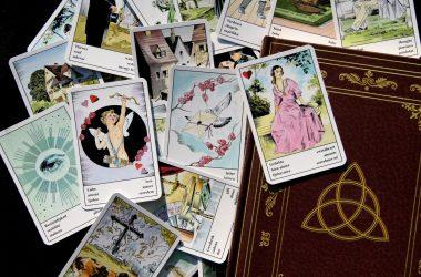 Wie Kartenlegen deine Probleme lösen kann