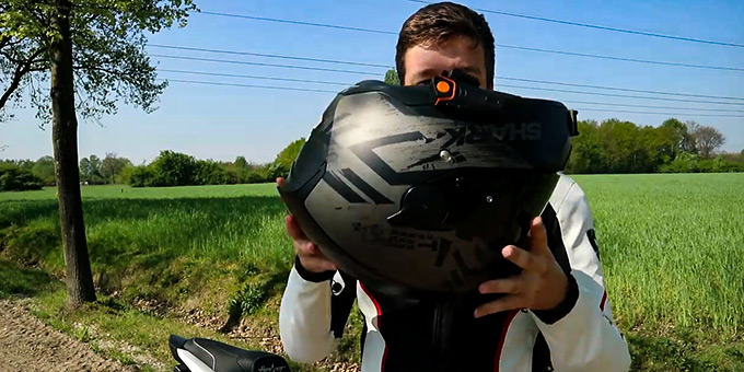 Can You Sell a Used Motorcycle Helmet FI