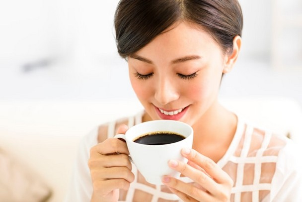 Tips Menjaga Gigi Tetap Putih Bagi Penggemar Kopi