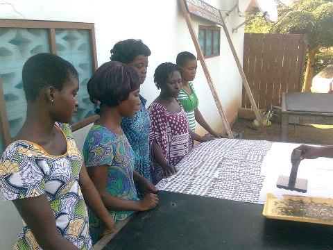 Creating batik, the lessons