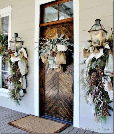 stunning-christmas-front-door-decor-ideas-23