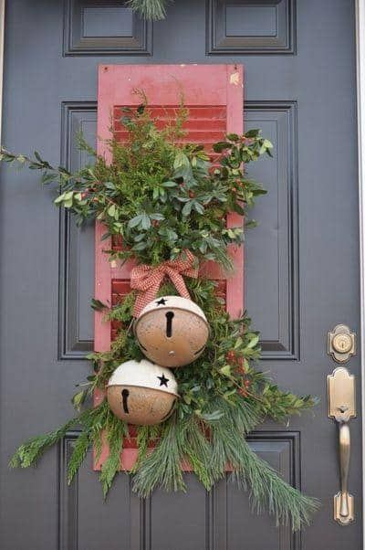 stunning-christmas-front-door-decor-ideas-29