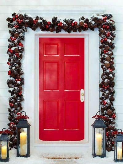 stunning-christmas-front-door-decor-ideas-35