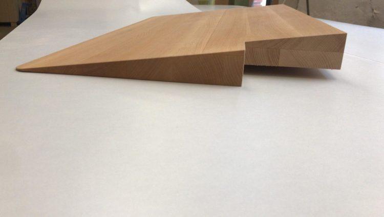 Türschwellenrampe aus Holz - Sonderanfertigung mit Aussparungen