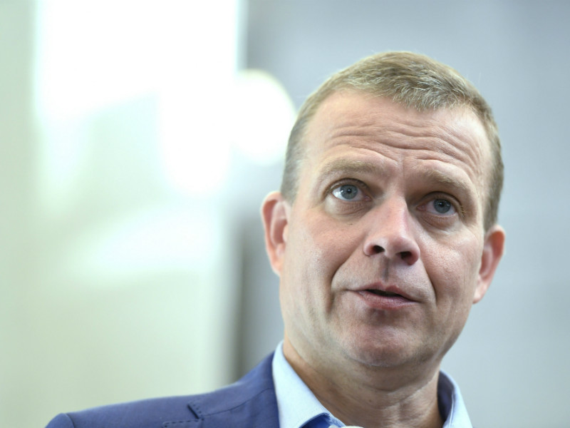Petteri Orpo, the chairperson of the National Coalition, remains a viable candidate to become the next prime minister of Finland, indicates the latest opinion poll commissioned by YLE. (Credit: Heikki Saukkomaa – Lehtikuva)