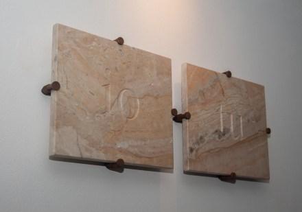 marmo e acciaio (25x8x5 cm installata)