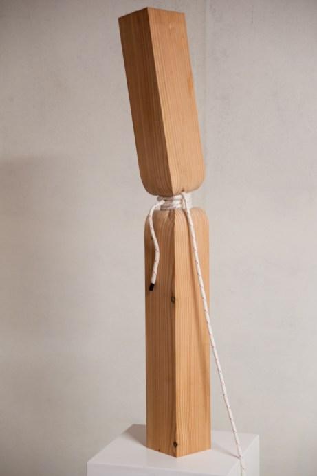 legno di larice e corda (110x13x13 cm)