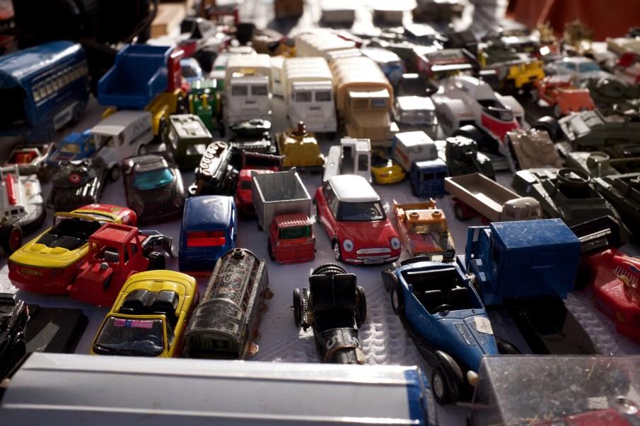 speelgoedauto's rommelmarkt
