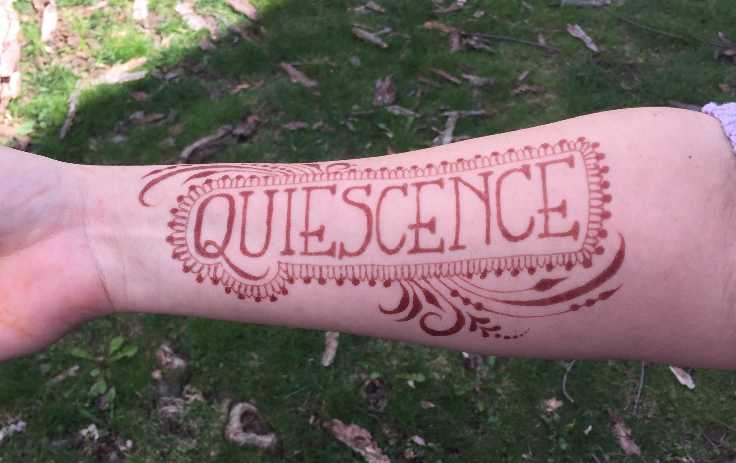 Quiescence: Henna As Meditation