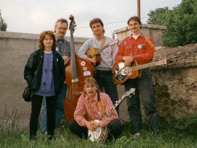 Fragment in 1995, L-R: Jana Dolakova-Mougin, Jiri Pola, Svata Kotas, Emil Formanek and HN