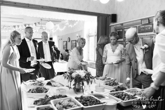 Bröllopsfotograf Falköping, Bröllopsfotograf Skövde, Bröllopsfotograf Skara, Bröllopsfotograf Tidaholm, Bröllop i Falköping, Falköping, Skövde, Fotograf Falköping, Familjefotograf Falköping, Luttra, Bröllopsfoto, Bröllopsfest, Bröllop 2018 Falköping, Fotograf Henrietta Bruto, Henriettas Fotostudio, Henrietta bruto Fotograf, Barnfotograf Falköping