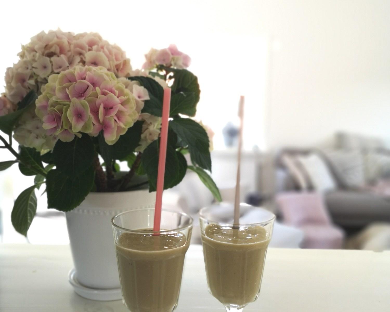 Smoothie, Nyttig smoothie, Nyttig banan och mangosmoothie, Nyttig glass, Gör din egna nyttiga glass, Glass utan socker, baka utan socker och gluten, nyttiga frukostar, nyttigt fika till barnen