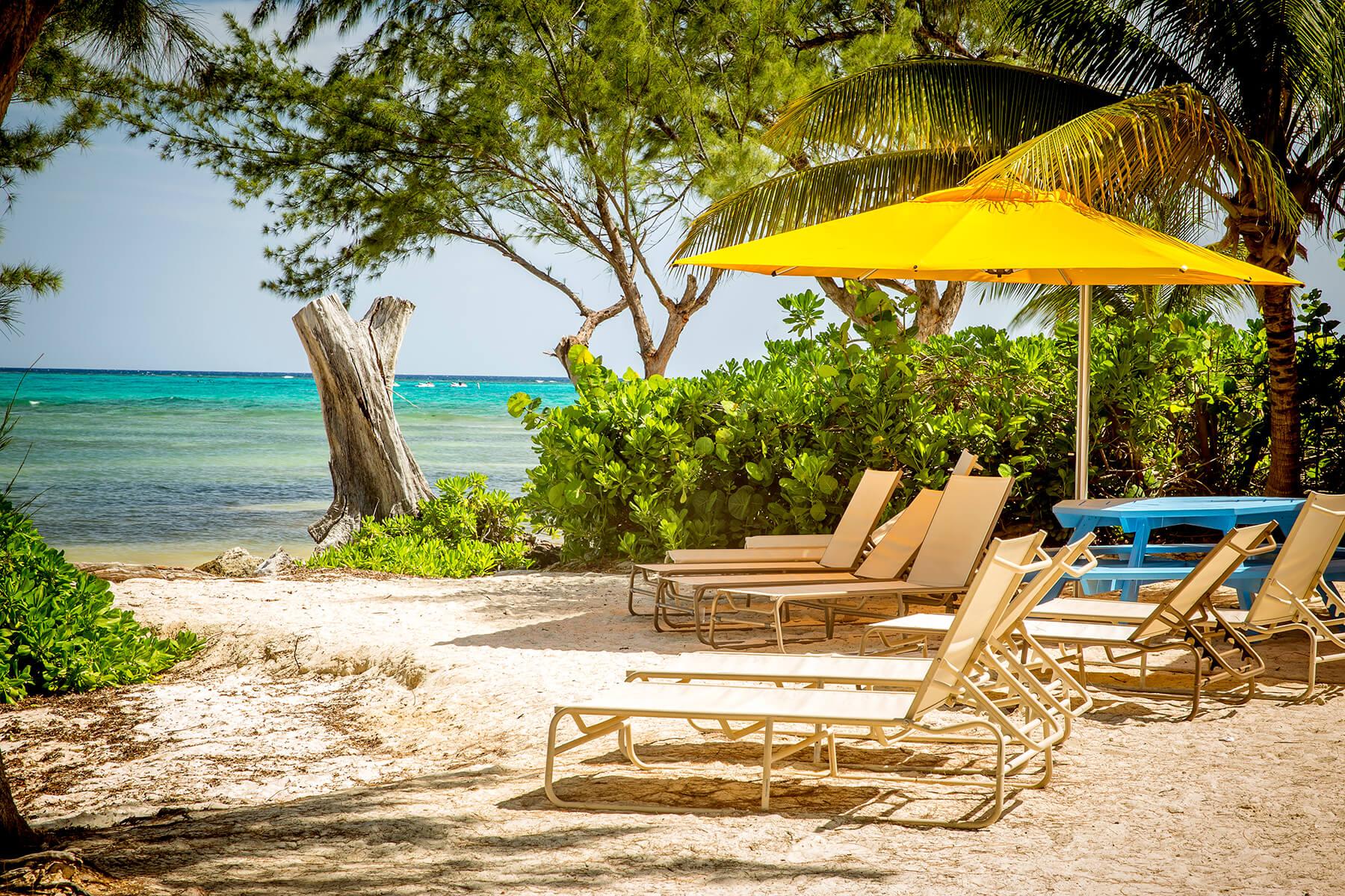 Henrys Hideout Grand Cayman Beach Rental Oceanfront Grand Cayman Rental