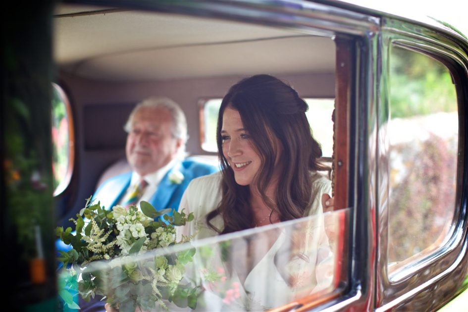 wivelsfield-wedding-photography-landb-076