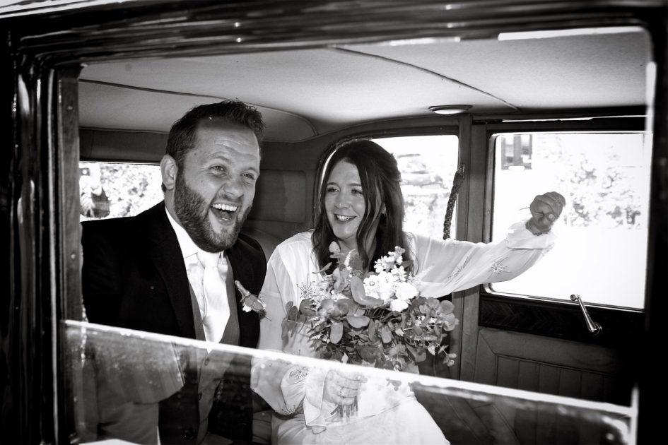 wivelsfield-wedding-photography-landb-207