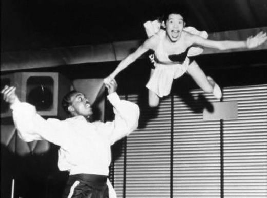 Beginners Acrobatics in Lindy Hop