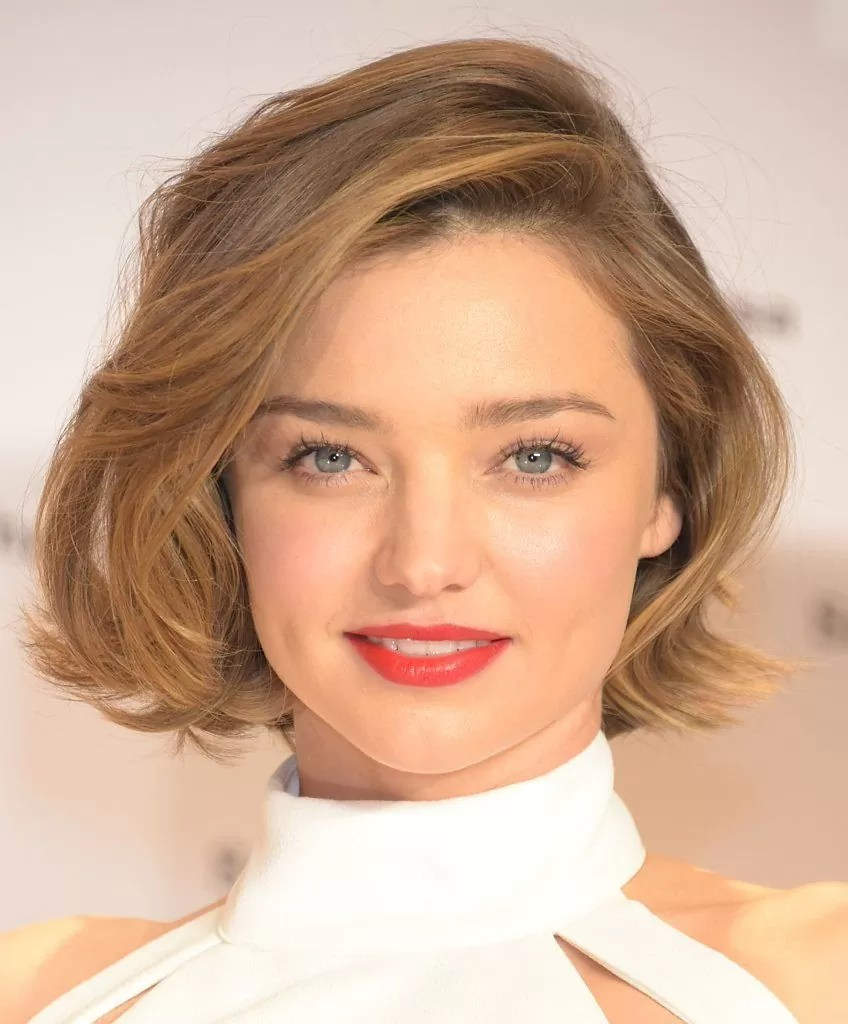 How to Get the Perfect Brows For Your Face Shape | Miranda kerr hair, Round face shape, Short hair styles