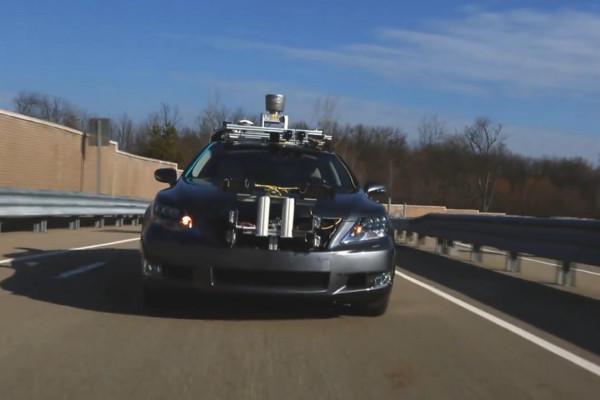 0104-lexus-driverless_full_600