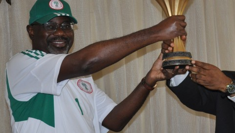 Imoke-with-afcon-trophy-650x273